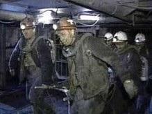 Более суток не удается потушить пожар в донецкой шахте