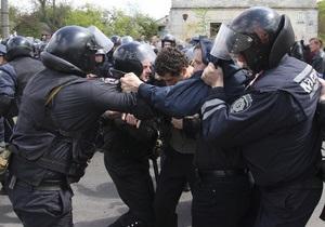 БЮТ: Янукович стал первым президентом, при котором 9 мая превратилось в день насилия