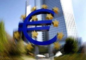 Евро продолжил падение на межбанке