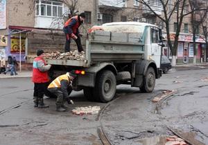 Укравтодор намерен завершить ямочный ремонт украинских дорог до 1 мая