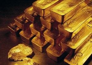 Золото дешевеет из-за опасений инвесторов за Грецию и Испанию