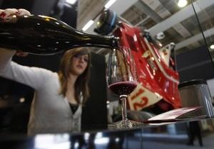 Люди с лишним весом не получают пользы от красного вина - ученые