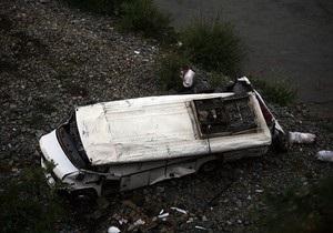 В Албании автобус сорвался с обрыва: 12 погибших