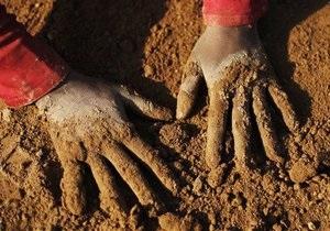 Волынская прокуратура: депутат избил ребенка, игравшего в его песке (обновлено)