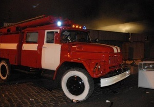Пожар Киев - В Киеве горит рынок Караваевы дачи