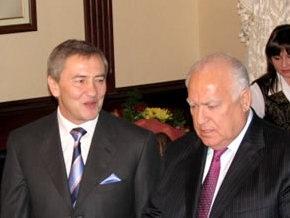 Черновецкий просит Черномырдина помочь разыскать могилы его родственников