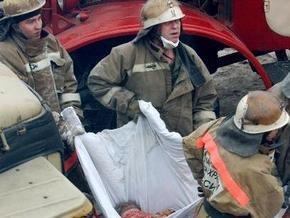 Под завалами обрушившегося в Астрахани дома найдены тела погибших