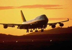 Израильский самолет с 400 пассажирами на борту совершил аварийную посадку в Лондоне