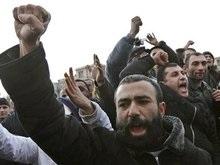 В Армении состоялось масштабное шествие сторонников Тер-Петросяна
