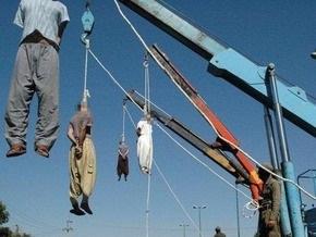 В Иране казнили троих наркоторговцев