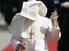 Папа римский лишил сана 71-летнего немецкого священника-педофила