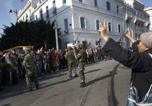 Крупнейший профсоюз рабочих Туниса требует создать новое правительство