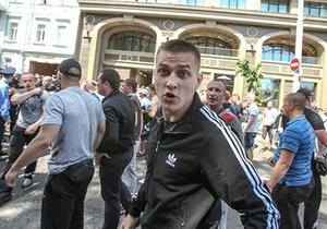 новости Киева - драка в Киеве - нападение на журналистов - Милиция пока не задержала подозреваемого в избиении журналистов на киевском митинге