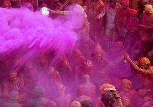 В Индии на фестивале весны из-за некачественной краски погиб ребенок, пострадали более 200 человек