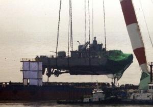 Южнокорейские спасатели подняли затонувший при загадочных обстоятельствах корабль