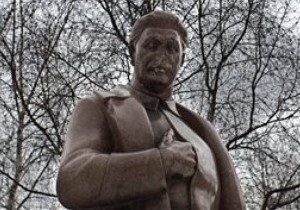 УНП призвала СБУ расследовать намерение КПУ установить памятник Сталину в Запорожье