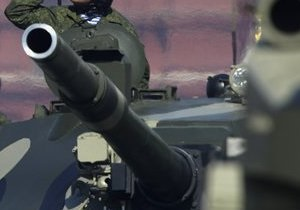 В России командир танка случайно разрядил машину в солдата