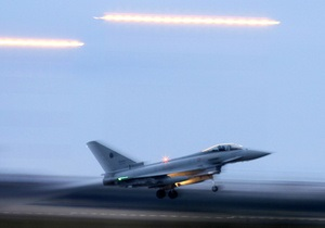 Норвегия возвращает свои истребители из Ливии из-за неясности с командованием