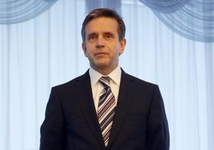 Зурабов вручил верительные грамоты Януковичу