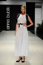 Показ коллекции Анны Бублик весна-лето 2011 Black&White на Ukrainian Fashion Week'10