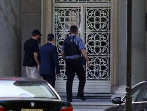 Мужчина, угрожающий взорвать гранату в резиденции Тадича, ранее объявлял голодовку