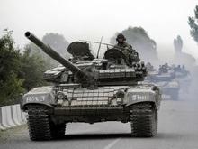 Очевидцы: В Цхинвали под гусеницами танков погибли две пожилые женщины