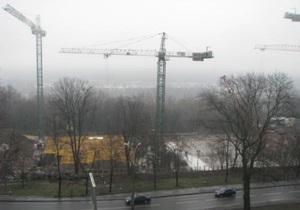 СМИ: На месте строительства вертолетной площадки для Януковича нашли человеческие останки