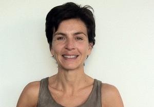 Французской писательнице после скандала с депортацией разрешили вернуться в Россию