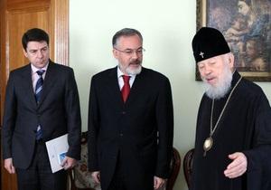Табачник выступил за усиление роли Русской православной церкви в сфере образования