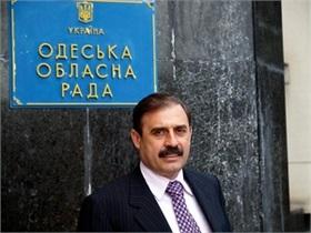 Неизвестные украли у депутата-регионала полторы тысячи долларов