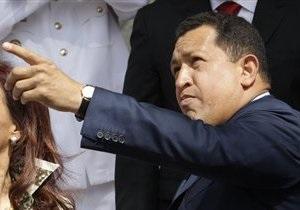 СМИ: Чавес еще минимум три месяца не сможет полноценно работать