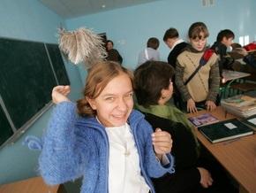 """Милиция задержала пятиклассника, """"заминировавшего"""" школу в Тернополе"""