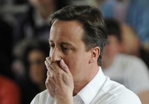 В лидера британских консерваторов бросили яйцо