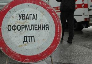 Под Киевом автомобиль столкнулся с автобусом: есть жертвы
