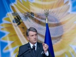 Ющенко снимется в фильме об украинском пчеловодстве