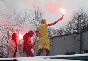 Пресса России: Участницы Pussy Riot опасаются расправы