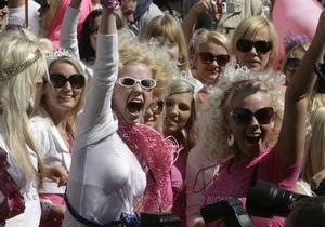 Участницам Всероссийского слета блондинок предложат вступить в Народный фронт Путина