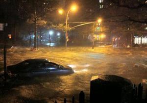 Уровень воды на улицах Нью-Йорка поднялся до исторически рекордной отметки