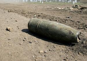 Пиротехники вывезли на обезвреживание артснаряд 1918 года, обнаруженный вчера в центре Киева