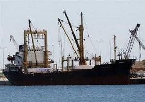 Ливийское судно продолжит путь к берегам Газы. Израиль требует остановить корабль