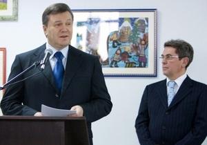 Официально: Янукович уволил министра здравоохранения