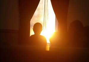 В Запорожье милиционеры освободили пятерых детей, которых мать заперла в квартире