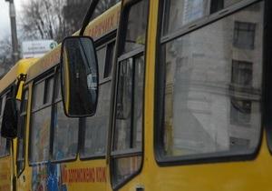 В Кременчуге задержали водителя автобуса, коловшего себе наркотики прямо на маршруте