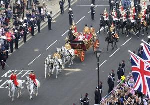 Полиция: На королевскую свадьбу в Лондон съехались около миллиона человек
