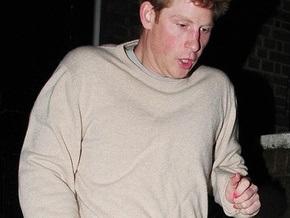 Принца Гарри поймали с розовым лаком на ногтях
