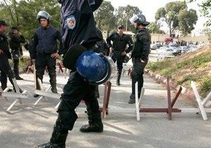 В Алжире началась многотысячная акция протеста полицейских
