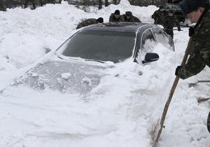Кабмин закажет для госслужащих партию отечественных автомобилей