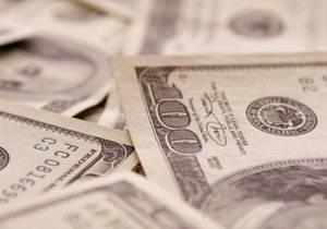 Торги на межбанке проходят в диапазоне 7,98-7,99 гривны за доллар