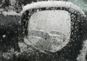 ГАИ предупреждает об осложнениях движения в Киеве в связи с погодными условиями