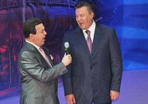 Янукович поздравил Кобзона с юбилеем: Украинский народ гордится знаменитым земляком